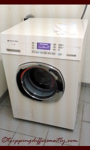i like it's shiny silver buttons and flashing blue lights... hahahha... yes it washes good too...