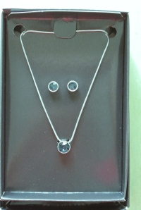 bluecrystal_necklace