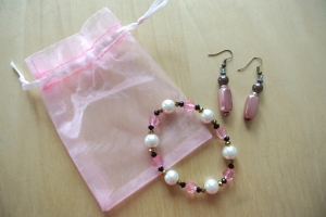 pink_braceletearrings