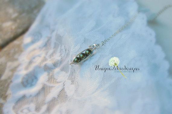peapodnecklace