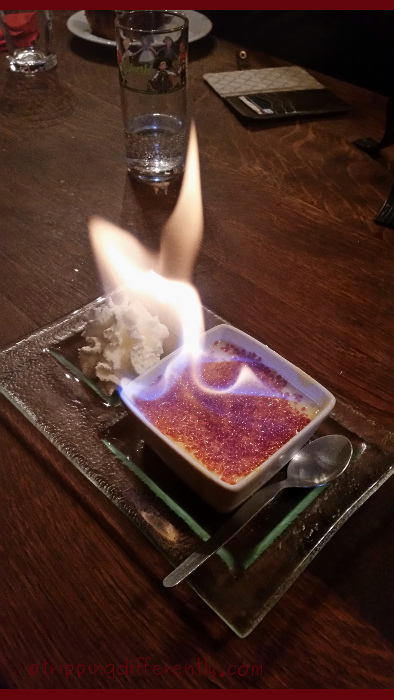 We had dinner at another little French restaurant and look at the flaming dessert i ordered ;)