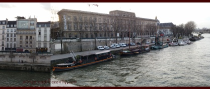 Left: See that double height glass? That's the apartment i want if i could afford it. Right: Love the houseboats too!